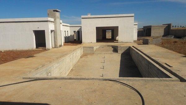 Villa avec piscine zone agricole