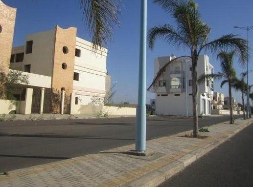 terrain zone villa Bouznika